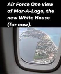 Kan een afbeelding zijn van lucht en de tekst 'Air Force One view of Mar-A-Lago, the new White House (for now).'