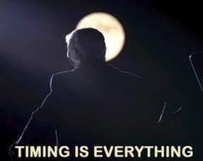 Kan een afbeelding zijn van de tekst 'TIMING IS EVERYTHING'